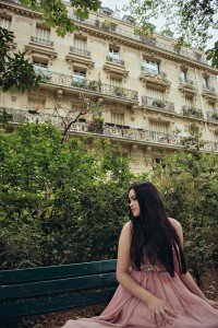 Classic quinceanera portrait in Paris by TripShooter's Paris photographer Jade Riviere
