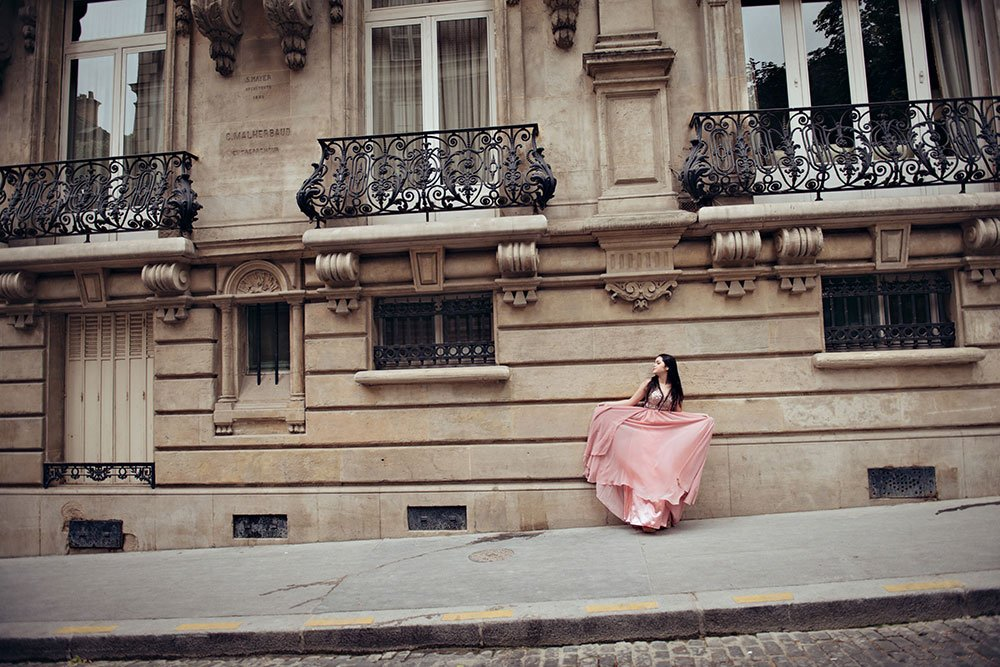 Stunning Paris photo of quinceanera dress style, by TripShooter's Paris photographer Jade Riviere