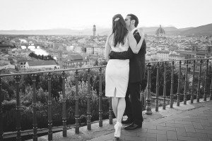 Black and white portrait of travel couple embracing in Florence, by TripShooter's Florence photographer Dorin Vasilescu