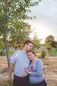 Couple portrait in Italian countryside, by TripShooter's Florence photographer Dorin Vasilescu