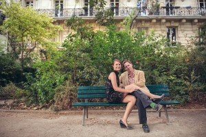Romantic honeymoon phoots on French park bench with Paris photographer Jade Riviere