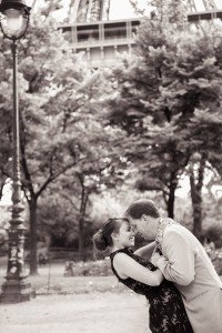 Honeymoon couple kiss in photos at Eiffel Tower with Paris photographer Jade Riviere