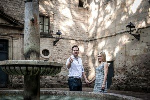 Tossing a coin in the fountain on Barcelona photo tour by Barcelona photographer Ramon Fornell for TripShooter