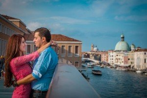 Couple on romantic getaway in Italy with TripShooter's Venice photographer Jody Riva