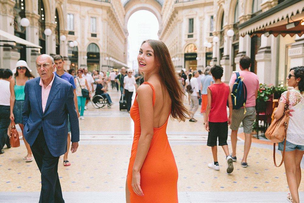 Happy smiling woman in Milan fashion shoot with TripShooter's Milan photographer Alessandro Della Savia