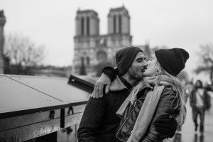 Old fashioned romantic photo of couple kissing in Paris, photo by TripShooter's photographer in Paris, Christian Perona