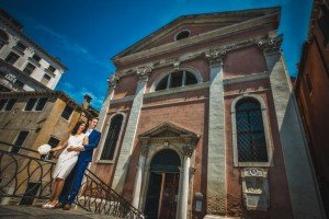 Couple photo souvenir on vacation in Venice, by TripShooter's photographer in Venice Matteo Michelino