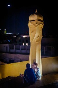 Night photo at travel monument, by TripShooter's Barcelona photographer Pablo Romero