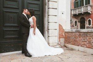 Romantic wedding photos in Italy by Venice photographer Filippo Ciappi