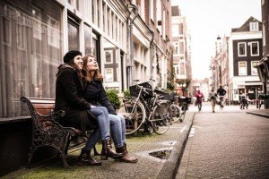Girl vacations with friends in Amsterdam by TripShooter's Amsterdam photographer Elise-Maria Gherlan