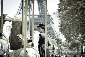 Fun romantic photos in Paris by Paris photographer Sophia Pagan