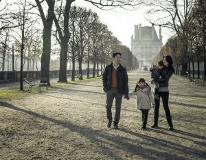 Family photos in Paris by Paris photographer Sophia Pagan
