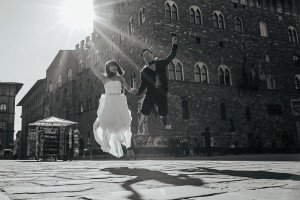 Fun destination wedding photos in Italy by Florence photographer for TripShooter Laura Barbera