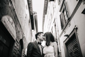Eloping in Italy romantic wedding photos by Florence photographer for TripShooter Laura Barbera