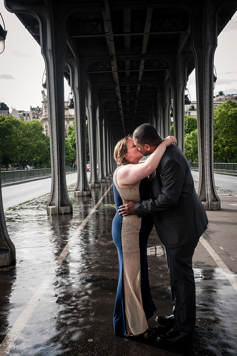Romantic photo shoot by Tripshooter's photographer in Paris Pierre Turyan
