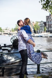 Love shoot by Amsterdam photographer Elise-Maria Gherlan