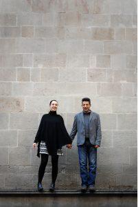 Fun couple photos by Barcelona photographer Teresa Schreibweis